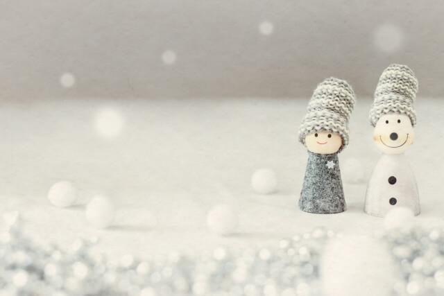 雪と雪ダルマイメージ